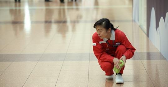 【ビル管理】『プロフェッショナル 仕事の流儀』で話題のカリスマ清掃員・新津春子が語る「清掃」と「掃除」の違いとは?
