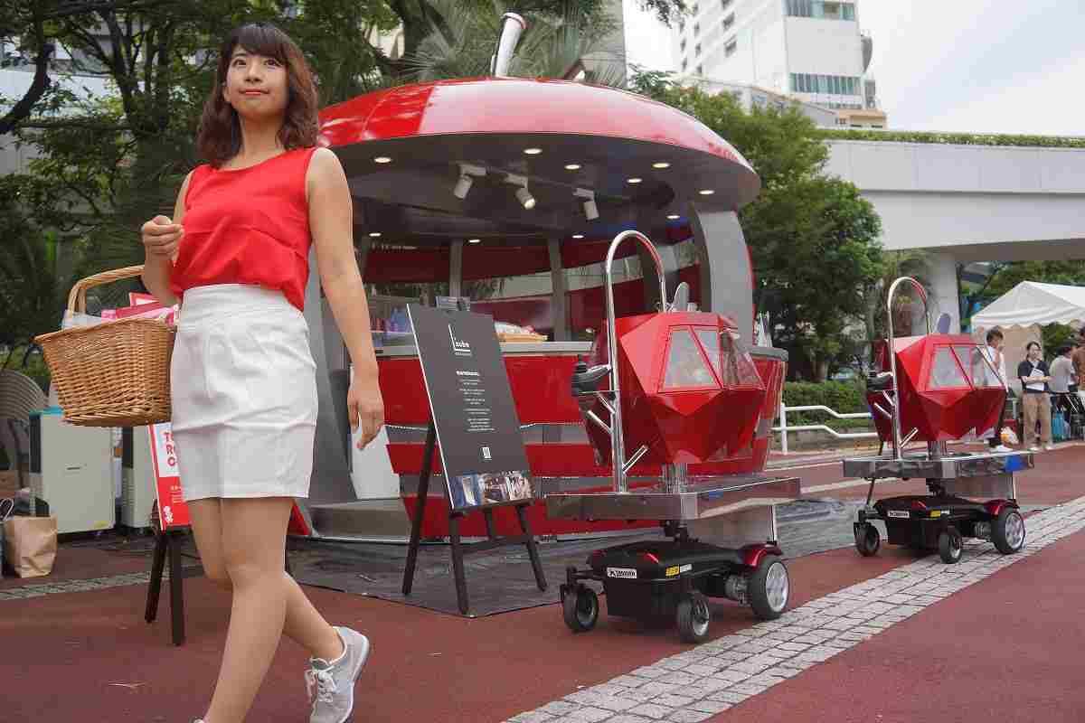 調理に警備、運搬も…ロボットたちが夏イベント盛り上げ中