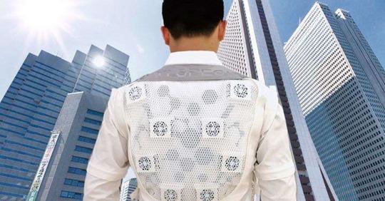 【ビル管理】気温40度なのに体感は25度!AI搭載スマートスーツでいつでも快適な環境に