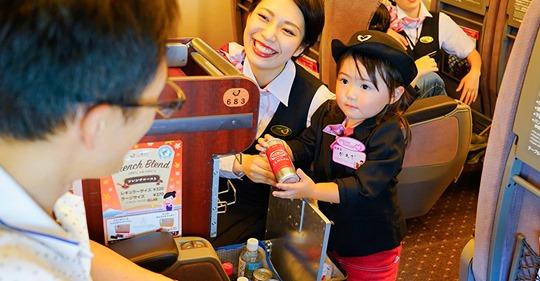 【ビル管理】新幹線の車内清掃は匠の技!JR東海「新幹線なるほど発見デー」でパーサーなどの業務を体験