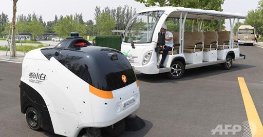 【ビルメンロボット】中国主要都市で導入予定の「AI清掃員」、AIビジネスの新分野を切り開くか
