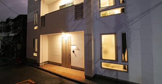 【ビル管理】北海道の民泊大手MASSIVE SAPPORO、横浜で新築無人ホテル開業 チェックイン用タブレットやスマートロックを配備、内覧会も