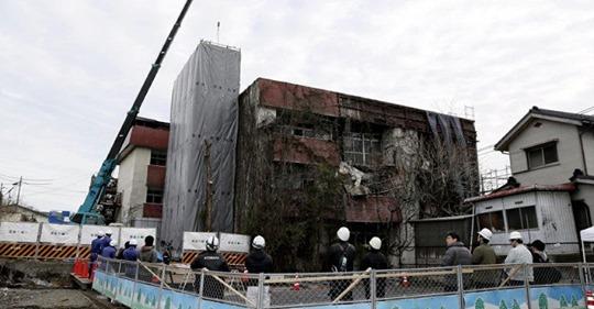 【空き家管理】廃墟マンション解体、全国初の行政代執行…費用1億円の回収めどたたず