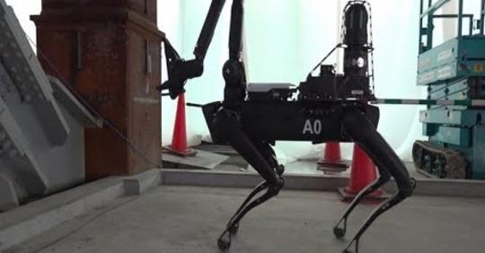 ボストンダイナミクスのロボット犬、電力設備の巡視担う