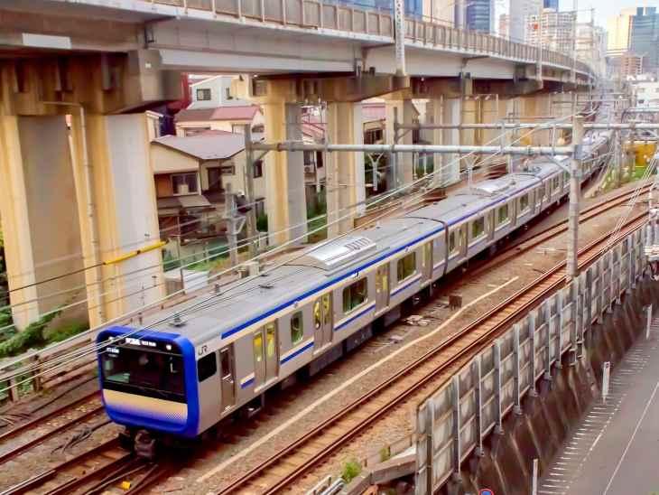 【鎌倉移住】鎌倉-東京間の通勤時間(年間1200時間)と横須賀線E235系時代の通勤環境を考察