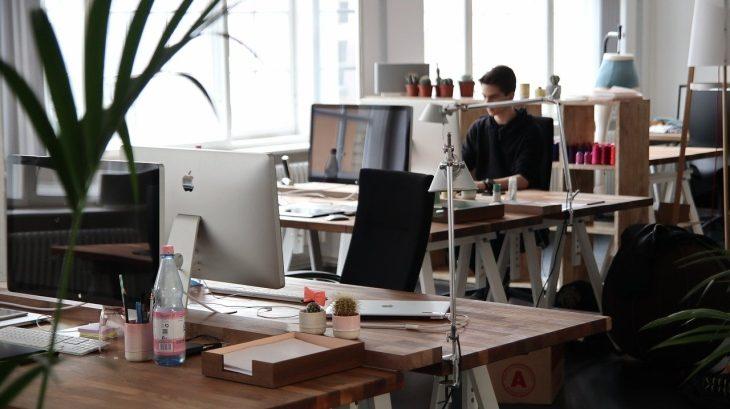 【ビルメンポスト】ビルメン業者のサービス重視の経営とビルメンホスピタリティ経営の違い